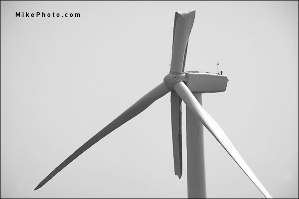 Wind Turbine with collapsed blade in the farm fields of Ontario